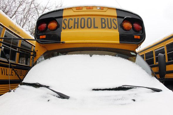 snowy-bus