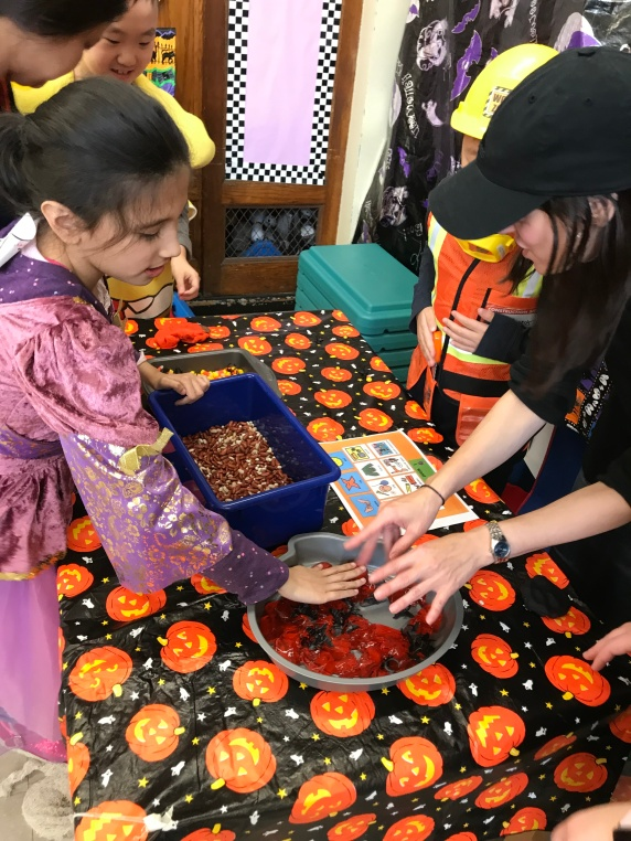 SPOOKY sensory table!